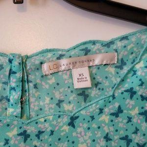 LC Lauren Conrad Tops - Lauren Conrad Butterfly Print blouse sz XS